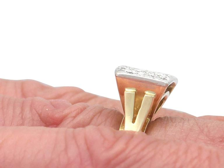 1950s 1.06 Carat Diamond Yellow Gold & White Gold Set Cocktail Ring For Sale 2