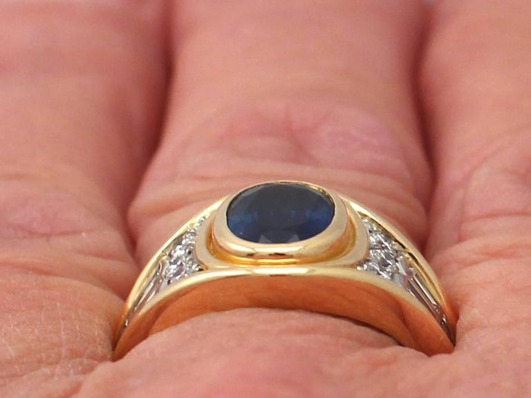 1950s 1.65 Carat Sapphire & Diamond Yellow Gold Cocktail Ring For Sale 5