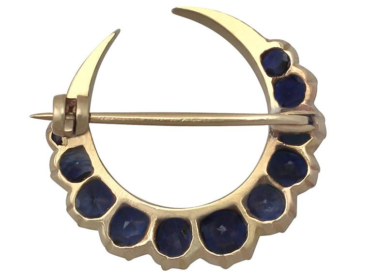 2.91Ct Sapphire and 18k Yellow Gold Crescent Brooch - Antique Circa 1890 5