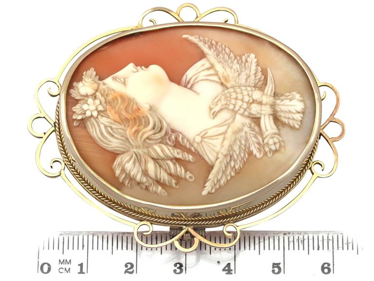 Women's Carved Shell and 15k Yellow Gold Cameo Brooch - Antique Circa 1880 For Sale