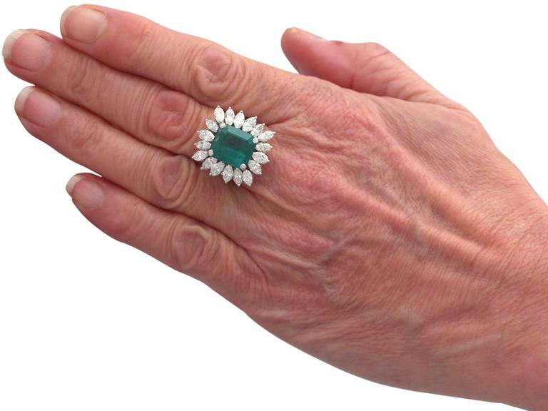1990s 4.30 Carat Emerald Diamonds Gold Cluster Ring For Sale 3