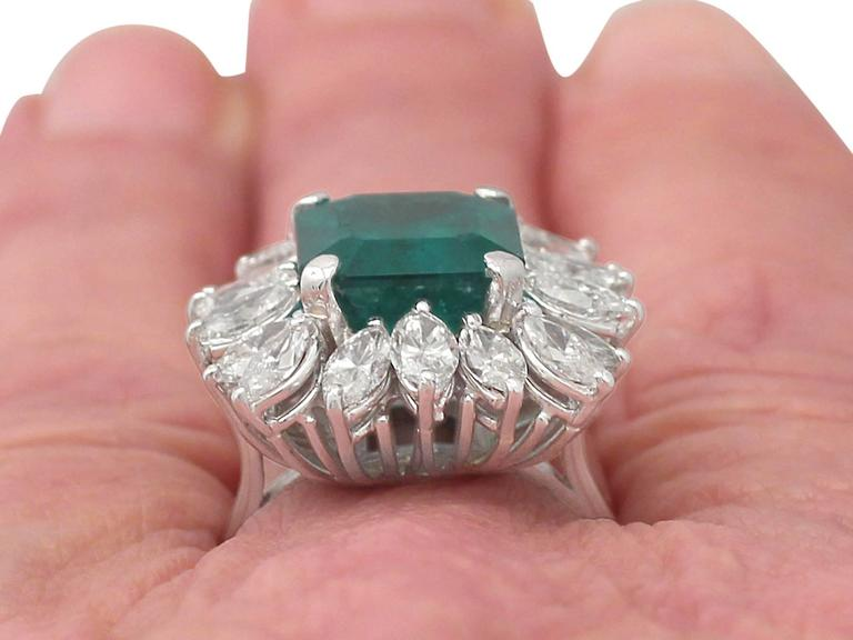 1990s 4.30 Carat Emerald Diamonds Gold Cluster Ring For Sale 5