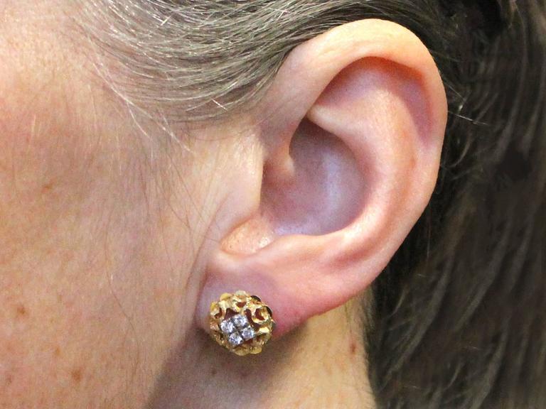 0.24Ct Diamond & 18k Yellow Gold, 18k White Gold Set Stud Earrings - Vintage For Sale 2