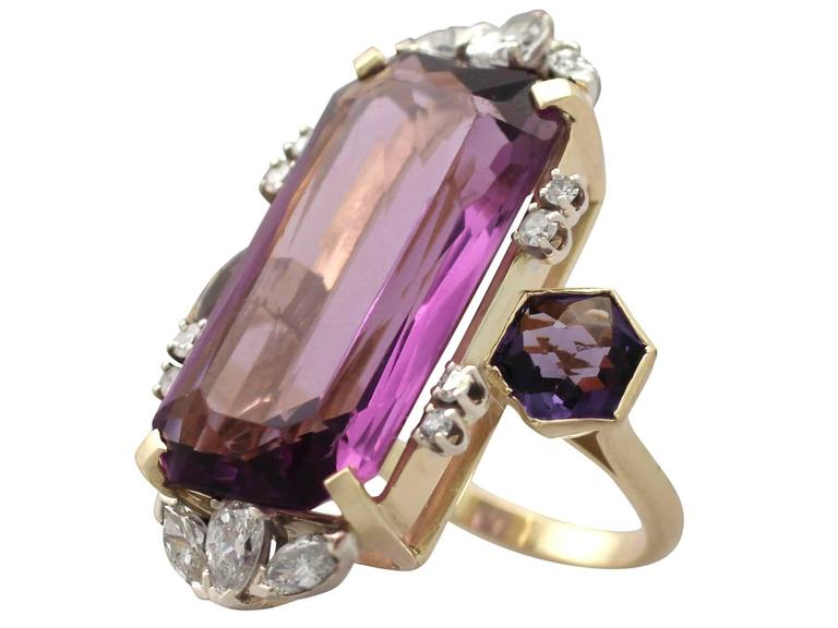 1970s 21.82 Carat Amethyst 1.59 Carats Diamonds Gold Cocktail Ring 4