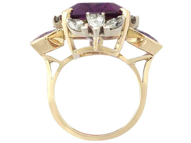 1970s 21.82 Carat Amethyst 1.59 Carats Diamonds Gold Cocktail Ring 5