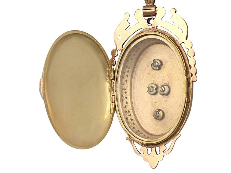 Pearl and Enamel, 18k Yellow Gold Locket/Pendant - Antique French Circa 1880 8