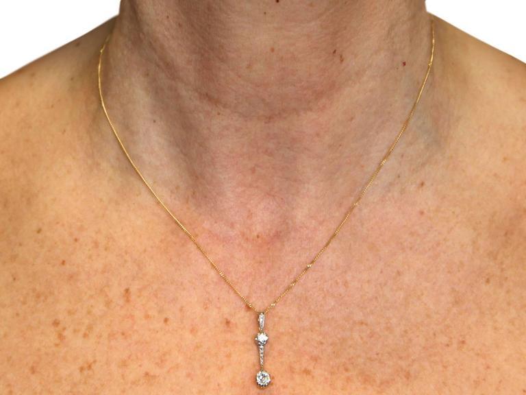 0.50Ct Diamond and 18k White Gold Pendant - Antique Circa 1920 For Sale 4