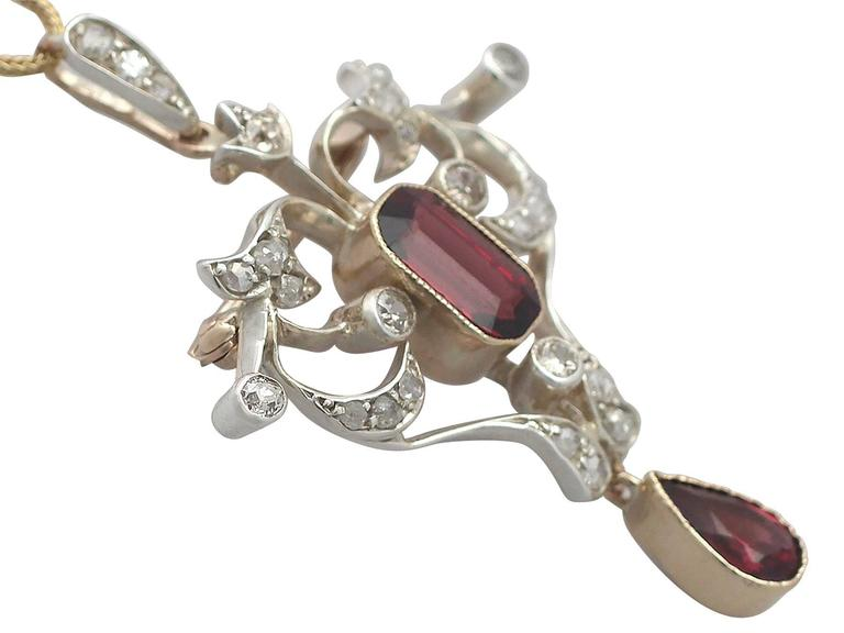 3.22Ct Garnet and Diamond, 9k Yellow Gold Pendant - Antique Circa 1900 In Excellent Condition For Sale In Jesmond, Newcastle Upon Tyne