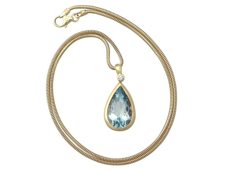 1970s 6.04 Carat Aquamarine Diamond Gold Pendant 2