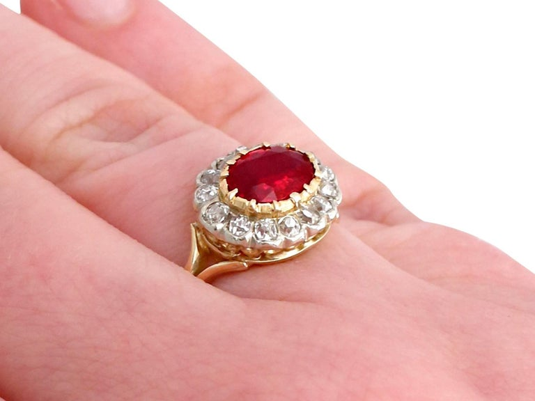 Antique 1.50 Carat Ruby Diamond Yellow Gold Cluster Ring For Sale 4