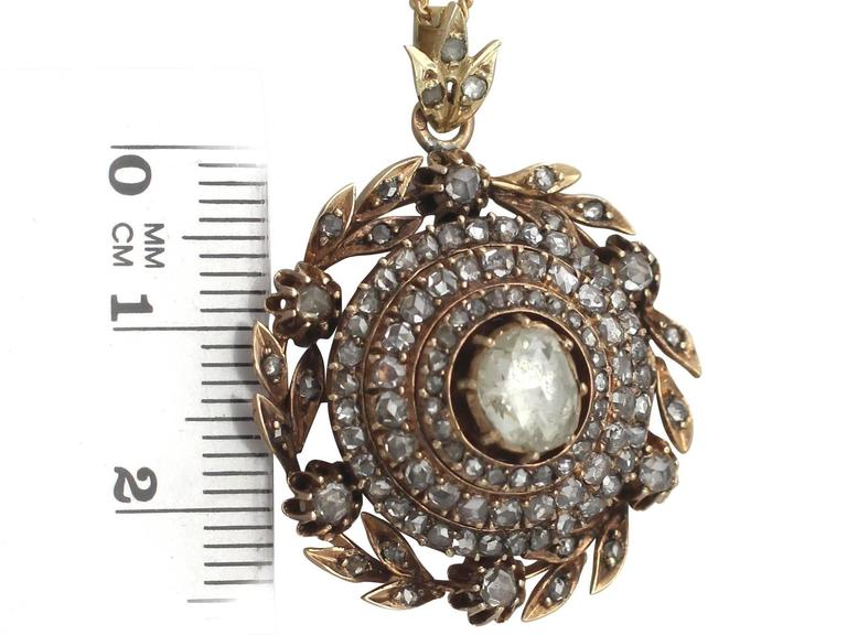 2.95Ct Diamond and 14k Yellow Gold Pendant - Antique Victorian For Sale 2