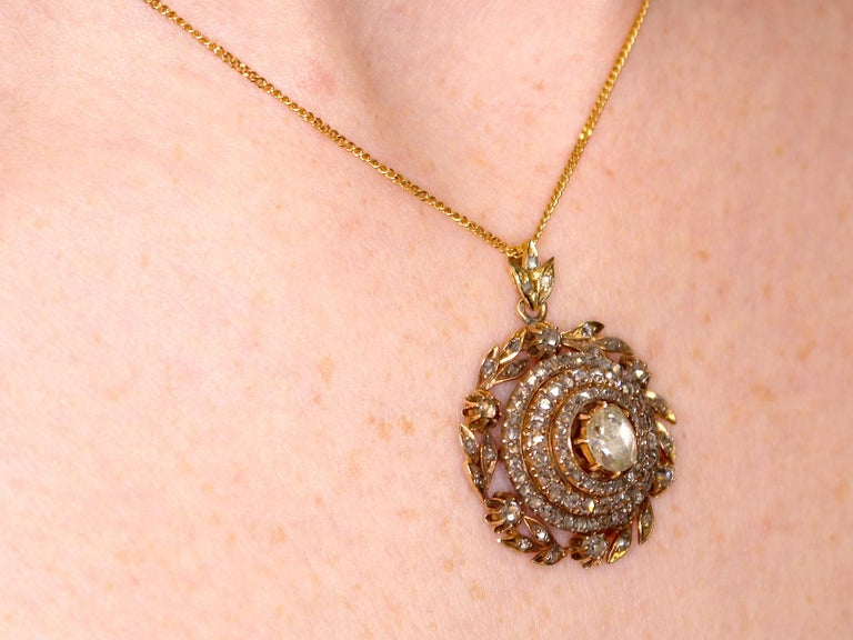 Antique Victorian 2.95 Carat Diamond and Yellow Gold Pendant For Sale 5