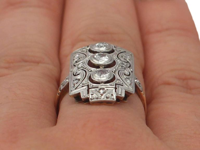 0.88Ct Diamond and 14k Yellow Gold Dress Ring - Art Deco - Antique Circa 1920 For Sale 5