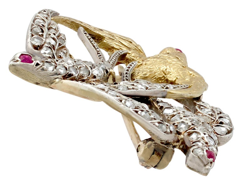 Victorian Diamond and Yellow Gold Silver Set Swallow Brooch  In Excellent Condition For Sale In Jesmond, Newcastle Upon Tyne