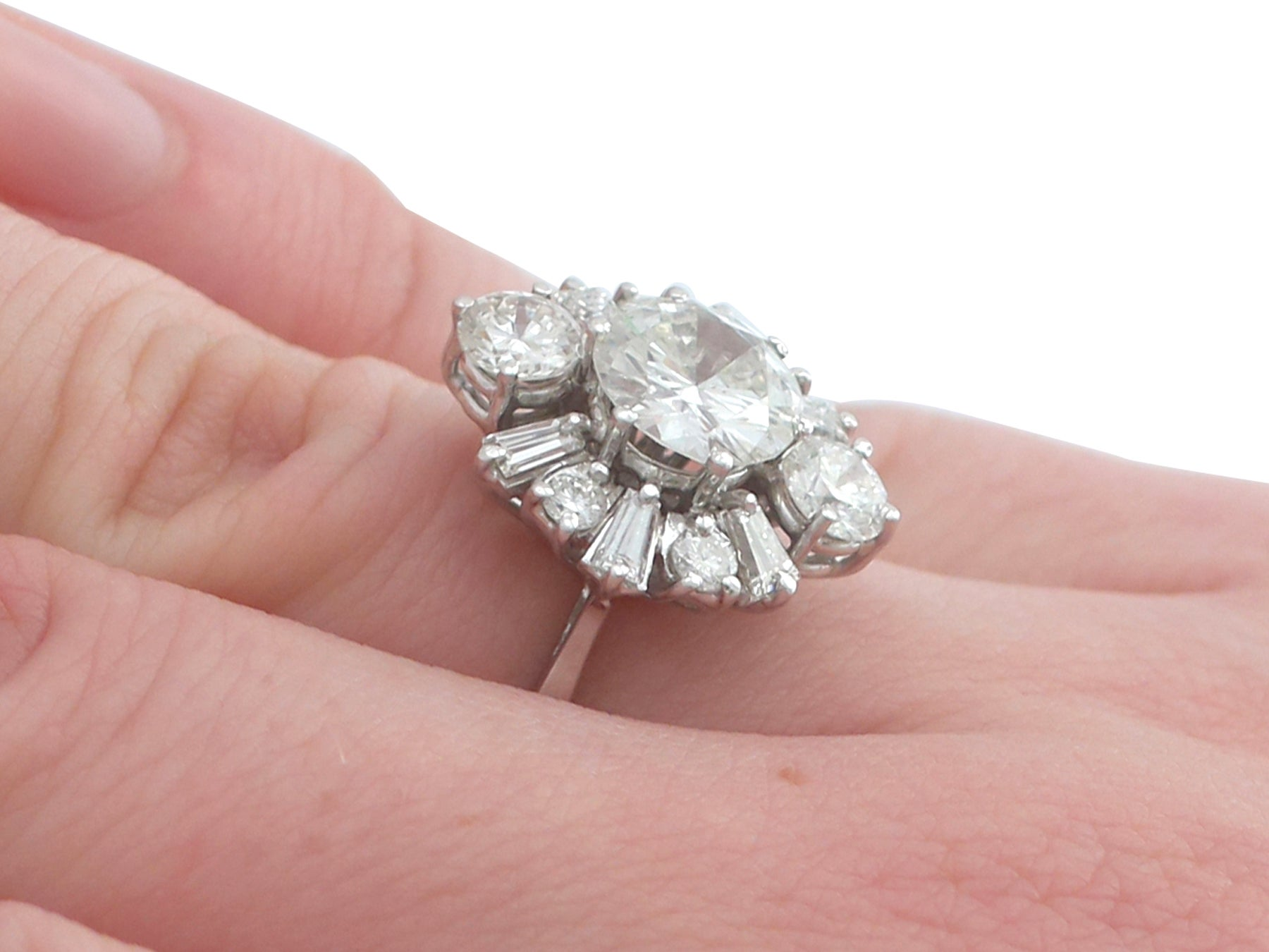 1950s 3.17 Carat Diamond and White Gold Cluster Ring For Sale at 1stdibs