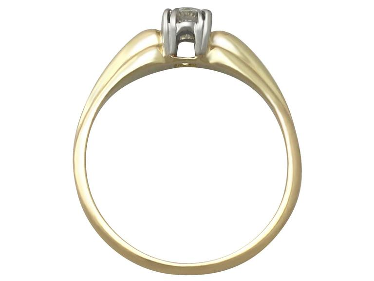 0.28Ct Diamond and 14k Yellow Gold Solitaire Ring - Vintage Circa 1990 For Sale 1