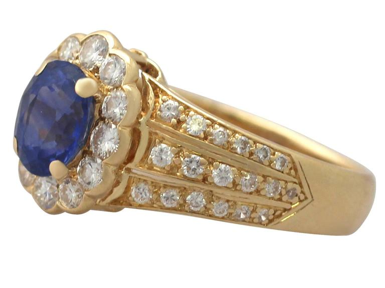 1980s 1.50 Carat Sapphire and Diamond Yellow Gold Cocktail Ring In Excellent Condition For Sale In Jesmond, GB