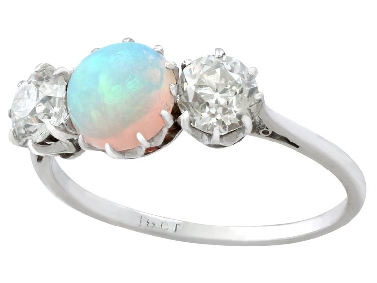 Antique Opal and 1.08 Carat Diamond Gold Trilogy Ring In Excellent Condition For Sale In Jesmond, Newcastle Upon Tyne
