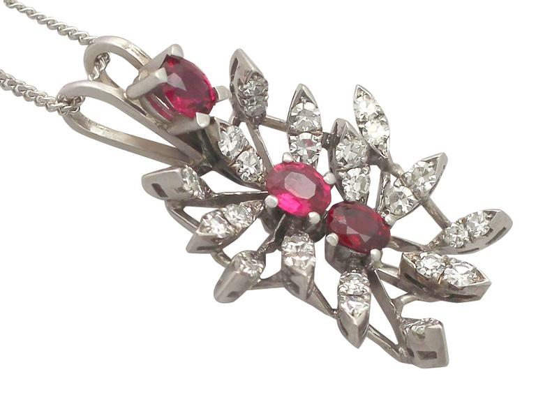 0.88 Carat Ruby and 0.69 Carat Diamond, White Gold Pendant In Excellent Condition For Sale In Jesmond, Newcastle Upon Tyne