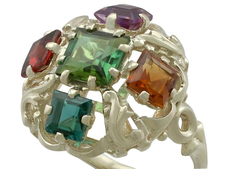 1960s Peridot, Citrine, Garnet, Amethyst, Tourmaline and Yellow Gold Ring In Excellent Condition For Sale In Jesmond, GB