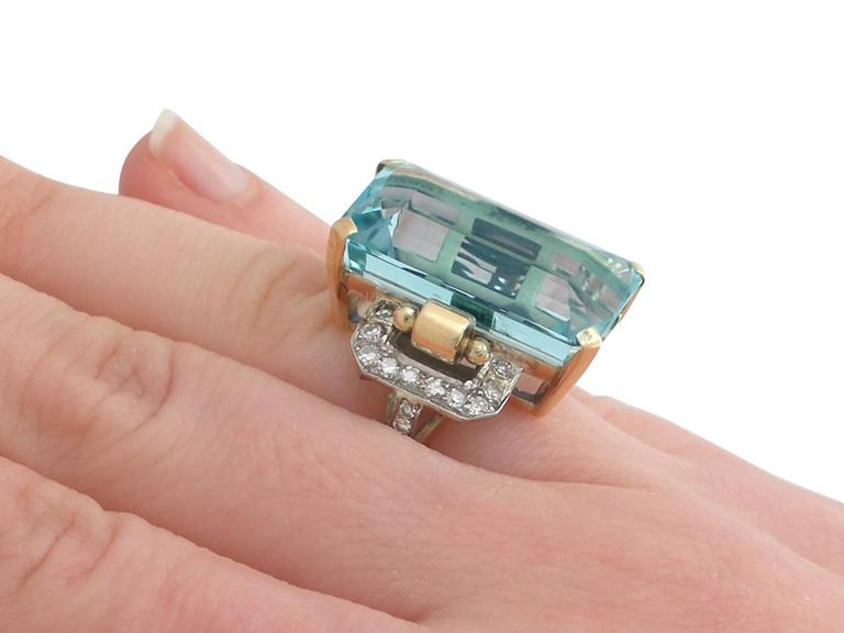 1950s 28.80 Carat Aquamarine and Diamond Yellow and White Gold Cocktail Ring For Sale 3