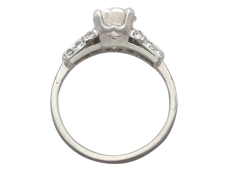 1940s 1.09 Carat Diamond and Platinum Solitaire Ring For Sale 1