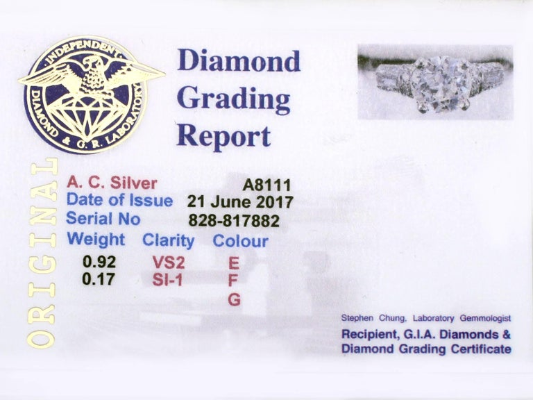 1940s 1.09 Carat Diamond and Platinum Solitaire Ring For Sale 2