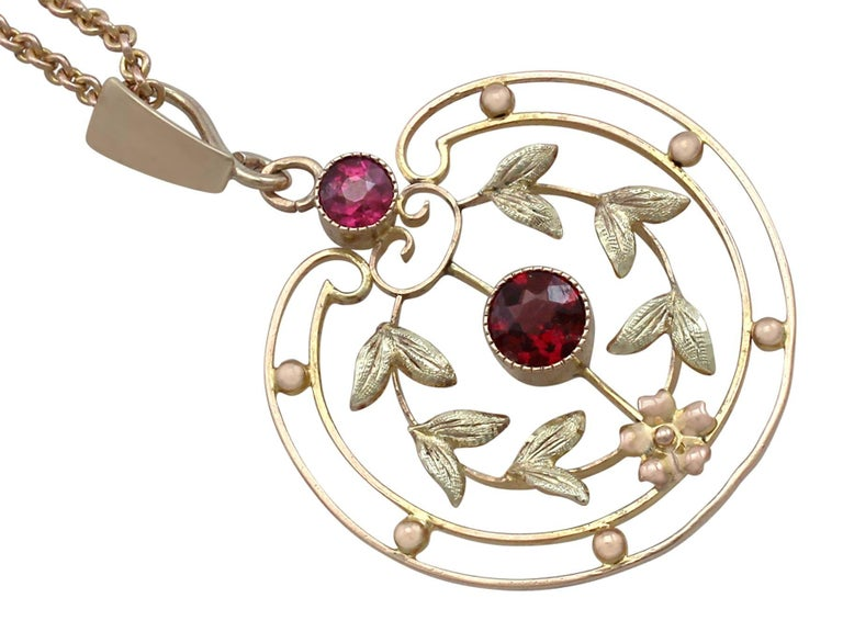 1920s Antique Garnet and Amethyst Yellow Gold Pendant In Excellent Condition For Sale In Jesmond, Newcastle Upon Tyne