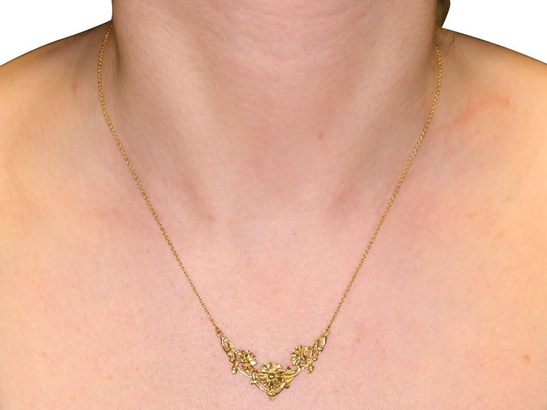 1920s Antique French Yellow Gold Necklace For Sale 4