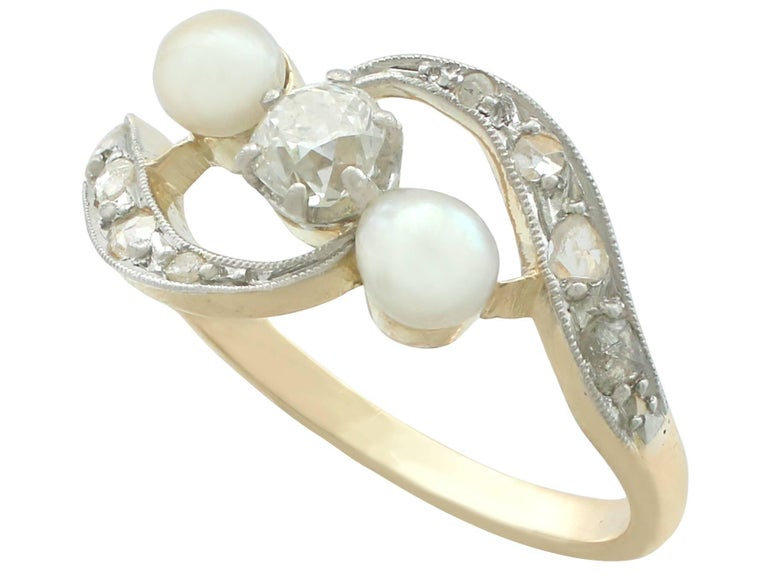 1920s Antique Pearl and Diamond Yellow Gold Twist Ring In Excellent Condition For Sale In Jesmond, GB