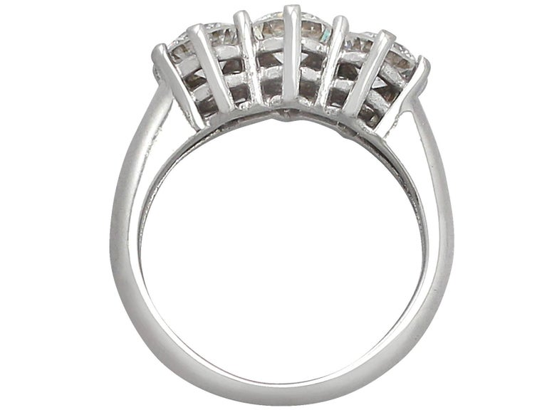 1980s 1.18 Carat Diamond and 18 Karat White Gold Trilogy Ring For Sale 1