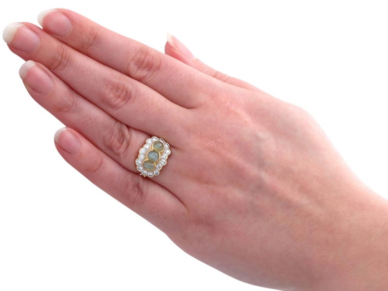 1970s 2.19 ct Chrysoberyl and Diamond 18k Yellow Gold Dress Ring For Sale 2