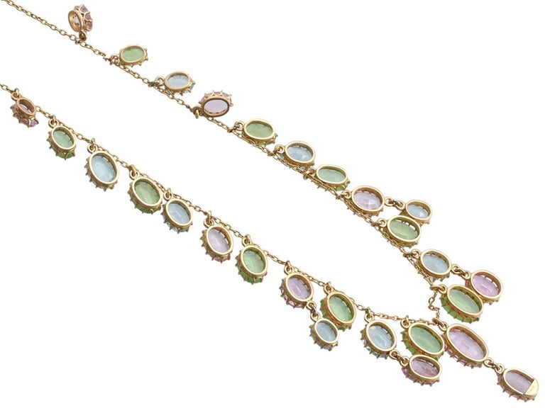 Oval Cut 1900s 25.87 Ct Rose Quartz Peridot, Aquamarine and 18k Yellow Gold Necklace For Sale