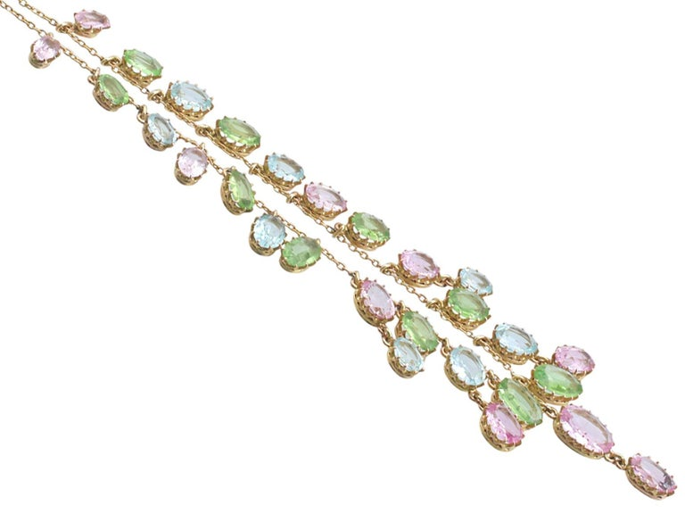 1900s 25.87 Ct Rose Quartz Peridot, Aquamarine and 18k Yellow Gold Necklace In Excellent Condition For Sale In Jesmond, Newcastle Upon Tyne