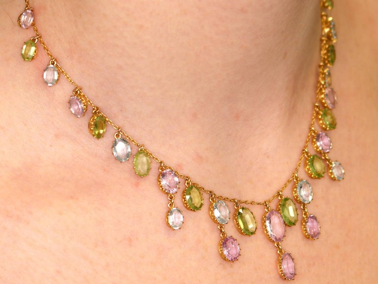 1900s 25.87 Ct Rose Quartz Peridot, Aquamarine and 18k Yellow Gold Necklace For Sale 4