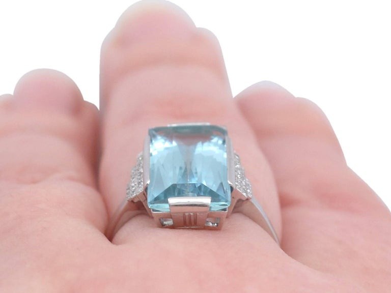 1930s Antique 6.47 Carat Aquamarine and Diamond White Gold Cocktail Ring For Sale 3
