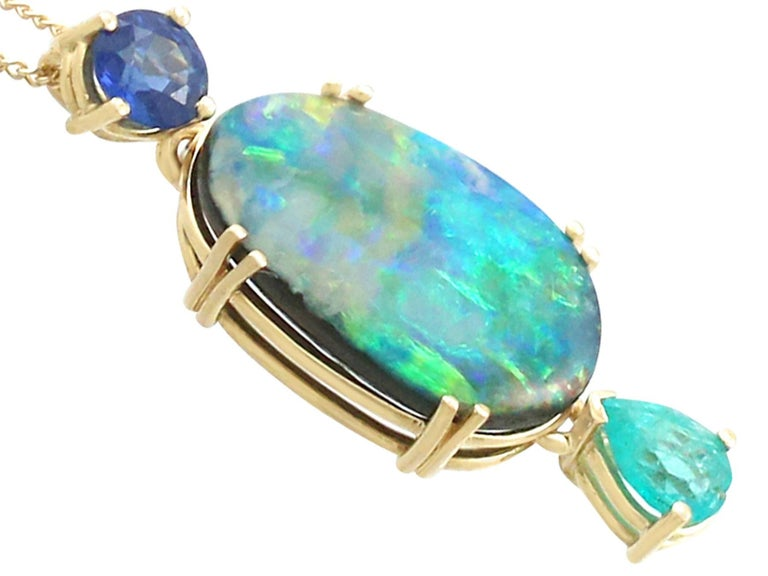 1980s Boulder Opal Emerald Sapphire Yellow Gold Pendant In Excellent Condition For Sale In Jesmond, Newcastle Upon Tyne