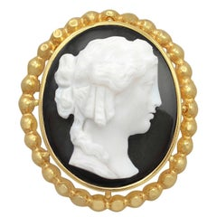 1880s Antique French Yellow Gold Cameo Brooch / Pendant