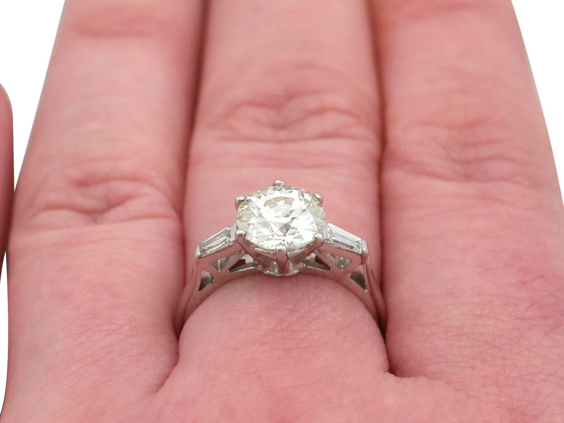 1920s 2.04 Carat Diamond and White Gold Solitaire Engagement Ring ...