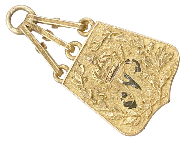 Women's 1810s French Yellow Gold Bracelet Charms Napoleonic Hussar For Sale