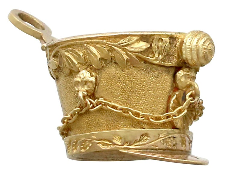1810s French Yellow Gold Bracelet Charms Napoleonic Hussar For Sale 4