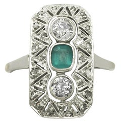 1920s Art Deco Style Emerald Diamond Gold Cocktail Ring