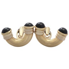 Art Deco Style Black Onyx Cufflinks in 18k Yellow Gold - Vintage Circa 1960
