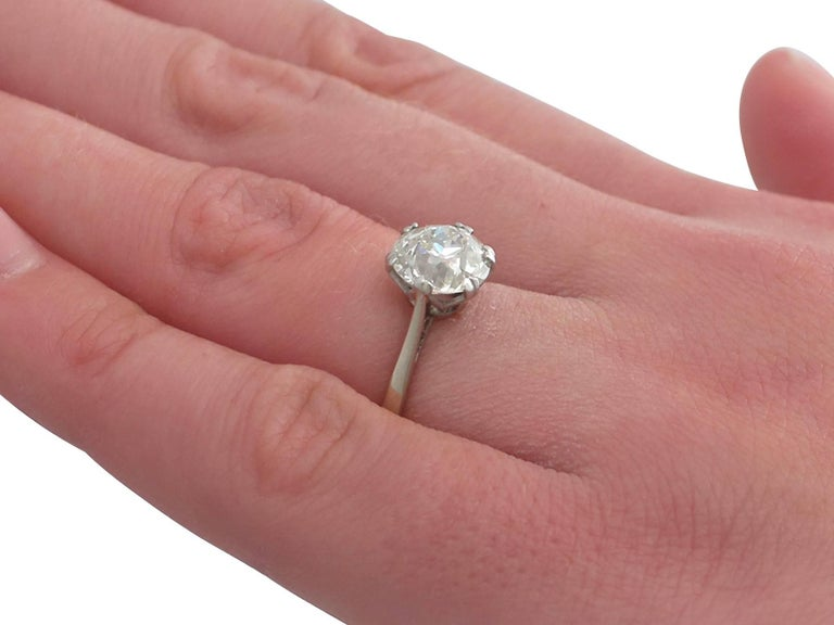 1910s 2.31 Carat Diamond and Platinum Solitaire Ring For Sale 3