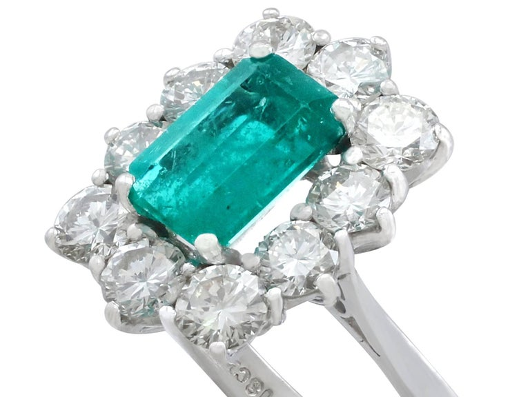 1.57 Carat Emerald and 1.72 Carat Diamond Cluster Engagement Ring In Good Condition For Sale In Jesmond, Newcastle Upon Tyne