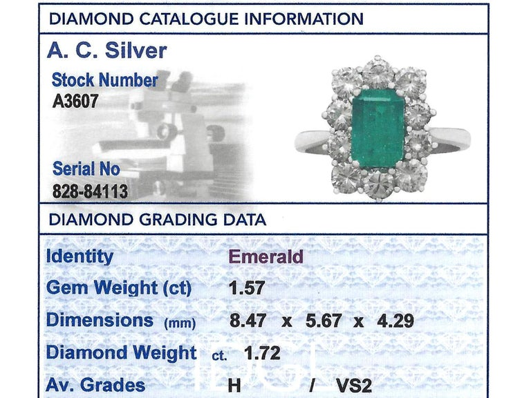 1.57 Carat Emerald and 1.72 Carat Diamond Cluster Engagement Ring For Sale 4