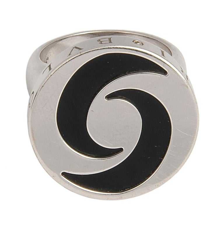 Women's or Men's Bulgari 18 Karat White Gold and Onyx Optical Illusion Spinning Ring and Bracelet For Sale