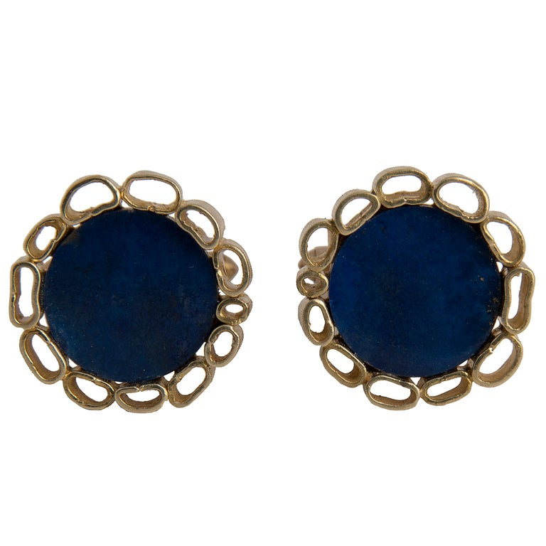 Pair of Cufflinks, textured 18kt yellow gold and lapis lazuli Marked 18k Italy, 1970s
