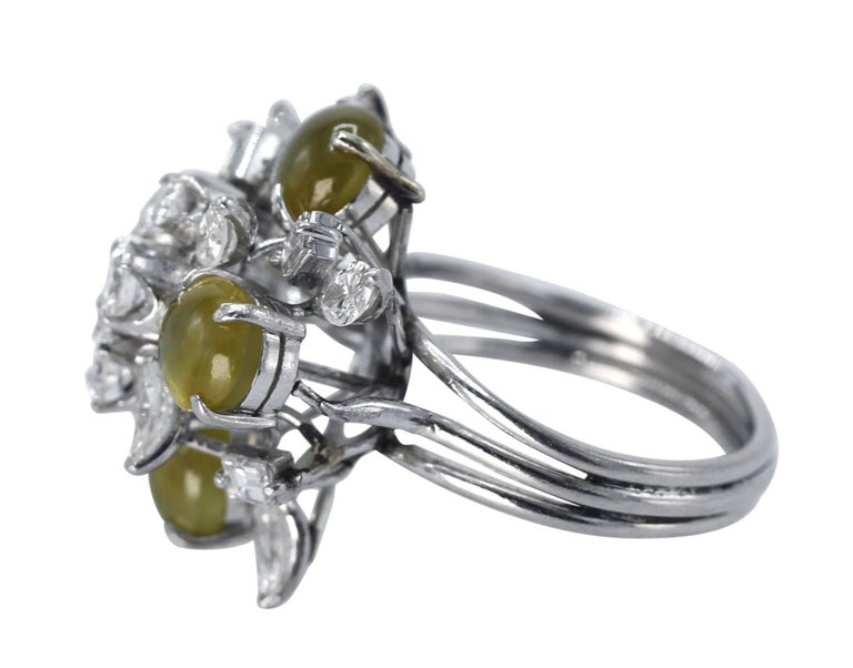 Cat's-Eye Chrysoberyl and Diamond Ring In Excellent Condition For Sale In Atlanta, GA