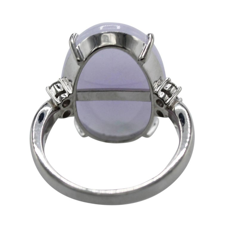 Cabochon Lavender Jade and Diamond Ring In Excellent Condition For Sale In Atlanta, GA
